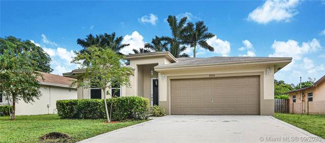 1516 SW 29th Ter, Fort Lauderdale, FL 33312 (MLS #A10926596) :: Berkshire Hathaway HomeServices EWM Realty