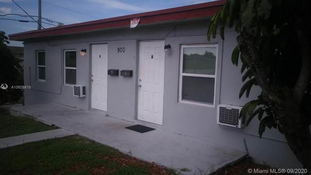 900 W 9th St, Riviera Beach, FL 33404 (MLS #A10926810) :: THE BANNON GROUP at RE/MAX CONSULTANTS REALTY I