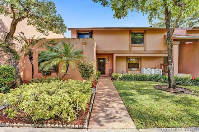 39 Chestnut Cir #39, Cooper City, FL 33026 (#A10927252) :: Real Estate Authority