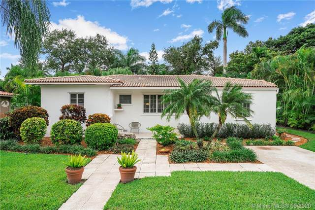 948 NE 92nd St, Miami Shores, FL 33138 (MLS #A10927614) :: The Jack Coden Group