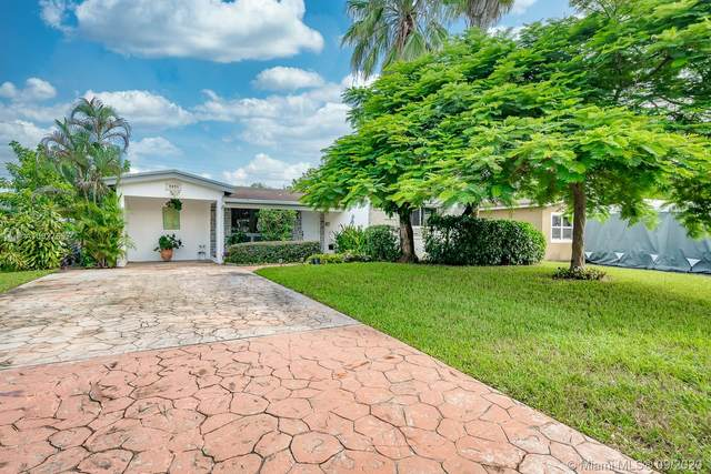 7051 SW 11th St, Pembroke Pines, FL 33023 (#A10927637) :: Real Estate Authority