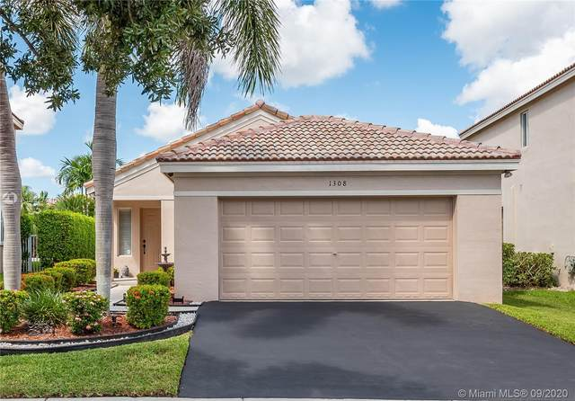 1308 Alexander Bnd, Weston, FL 33327 (MLS #A10927710) :: United Realty Group