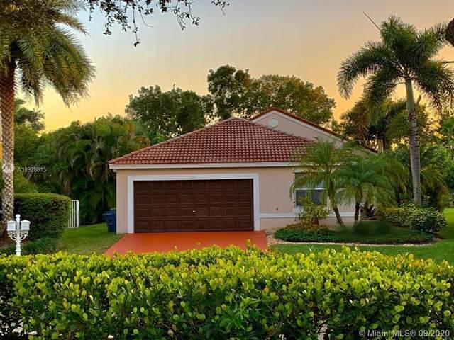 675 Lone Pine Ln, Weston, FL 33327 (MLS #A10928015) :: The Paiz Group