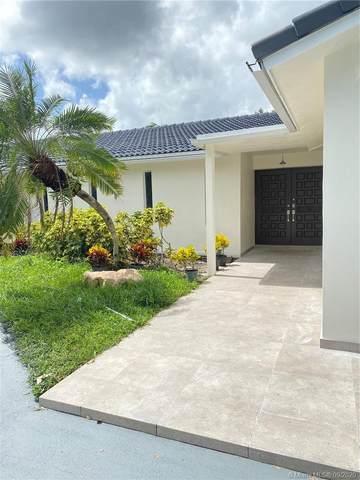 1801 SW 72nd Ave, Plantation, FL 33317 (MLS #A10928335) :: Albert Garcia Team