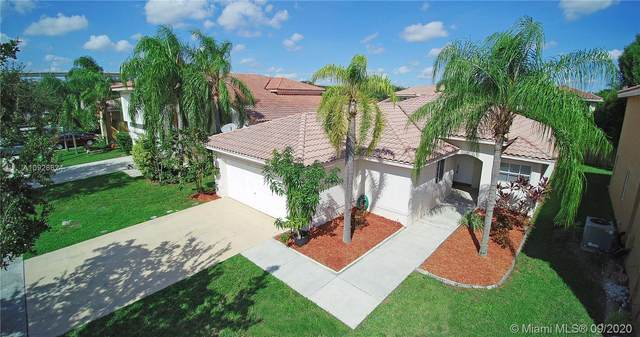 154 Vista Luna Dr, Davie, FL 33325 (#A10928624) :: Real Estate Authority