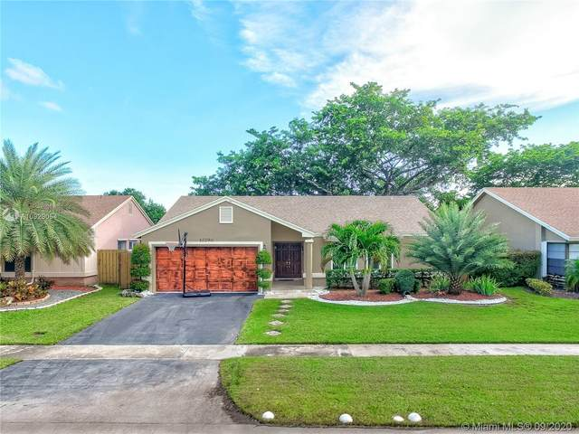 10290 NW 31st Ct, Sunrise, FL 33351 (MLS #A10929054) :: United Realty Group