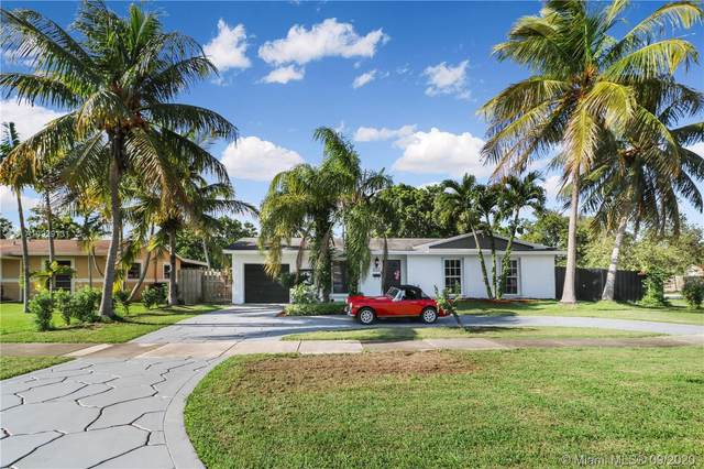 9203 SW 182nd St, Palmetto Bay, FL 33157 (MLS #A10929131) :: The Jack Coden Group