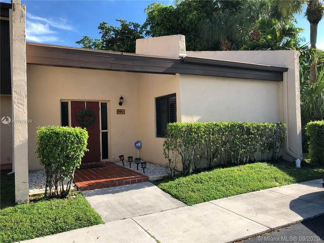 9901 NW 10th St #15, Pembroke Pines, FL 33024 (MLS #A10929499) :: ONE Sotheby's International Realty
