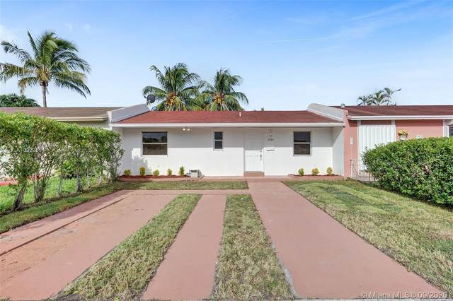 5422 SW 128th Ave, Miami, FL 33175 (MLS #A10929561) :: Castelli Real Estate Services