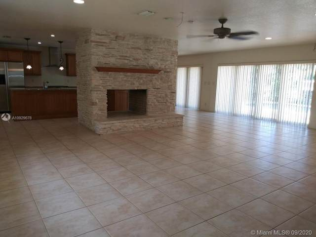 18299 SW 68th Ct, Southwest Ranches, FL 33331 (#A10929678) :: Real Estate Authority