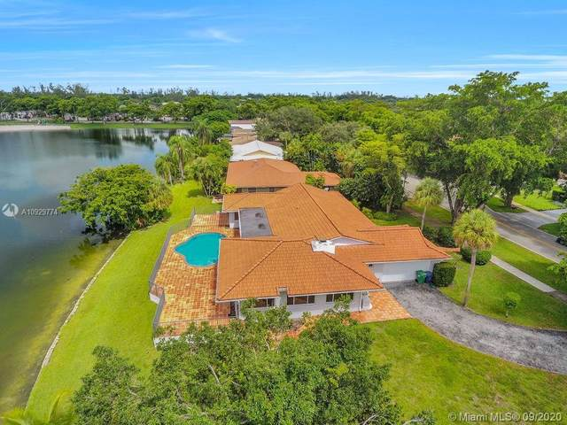 7230 S Miami Lakeway S, Miami Lakes, FL 33014 (MLS #A10929774) :: Albert Garcia Team