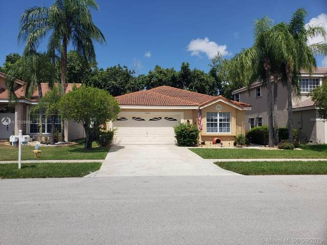 18355 NW 21st St, Pembroke Pines, FL 33029 (#A10929986) :: Real Estate Authority