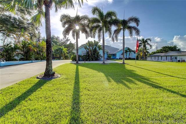 5011 SW 111th Ter, Davie, FL 33328 (MLS #A10930668) :: Castelli Real Estate Services