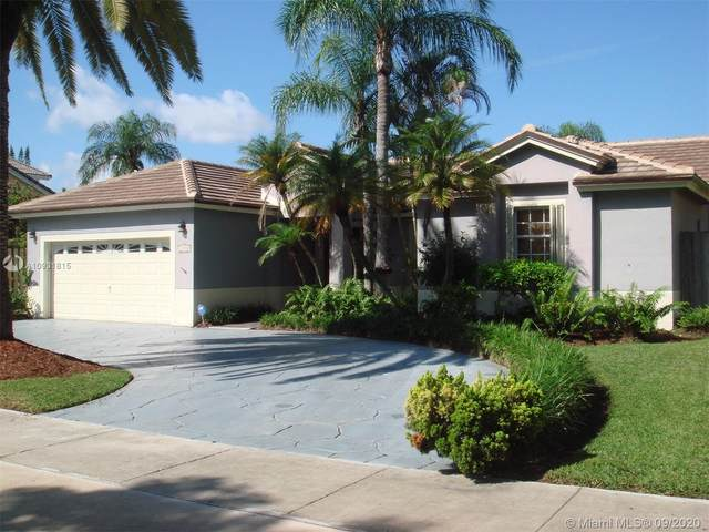 21250 SW 97th Ct, Cutler Bay, FL 33189 (MLS #A10931815) :: The Riley Smith Group