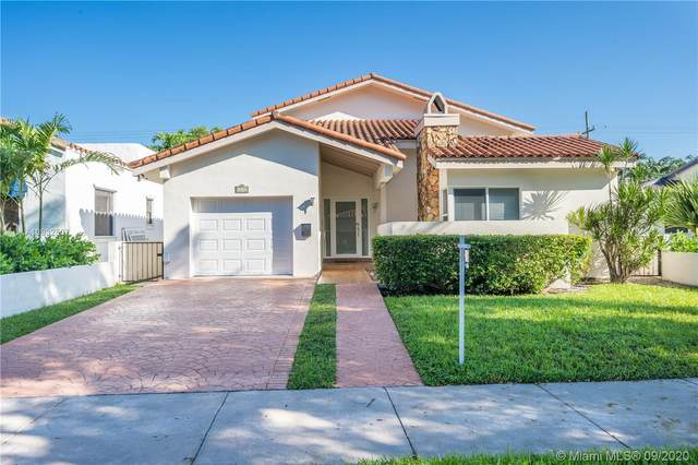 1127 Venetia Ave, Coral Gables, FL 33134 (MLS #A10932507) :: The Riley Smith Group