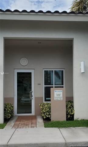 5240 S University Dr 102E, Davie, FL 33328 (MLS #A10932597) :: The Paiz Group