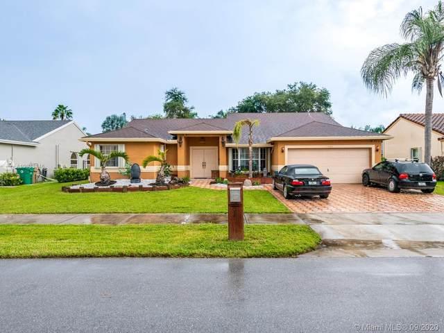 1482 SW 97th Ln, Davie, FL 33324 (MLS #A10933146) :: Green Realty Properties