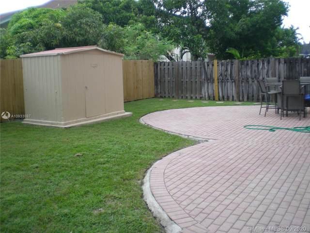960 SW 95th Ter, Pembroke Pines, FL 33025 (MLS #A10933597) :: Green Realty Properties