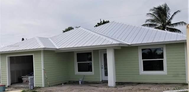7705 SE Hilltop Ter, Hobe Sound, FL 33455 (MLS #A10934545) :: Carole Smith Real Estate Team
