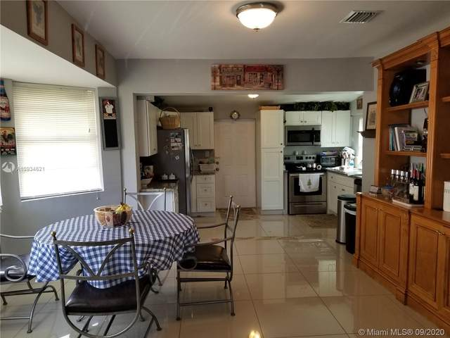 2603 Wiley St, Hollywood, FL 33020 (MLS #A10934621) :: Green Realty Properties