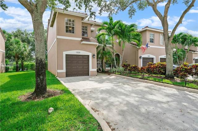 13220 NW 7th Pl, Plantation, FL 33325 (MLS #A10934622) :: The Pearl Realty Group