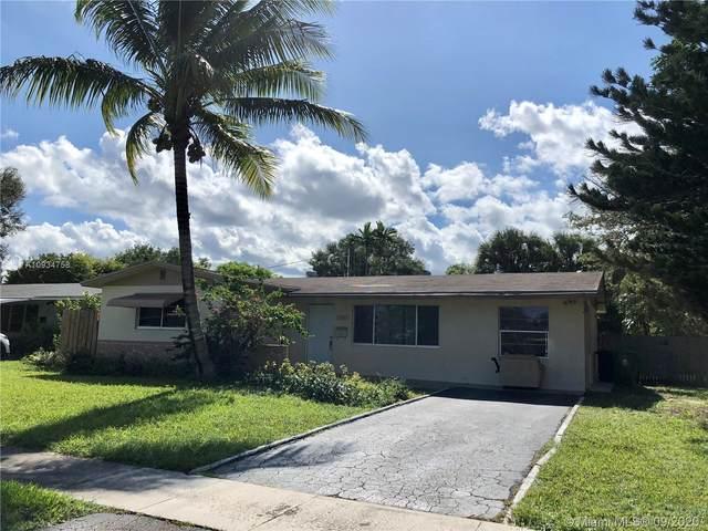 5001 SW 94th Way, Cooper City, FL 33328 (MLS #A10934758) :: United Realty Group