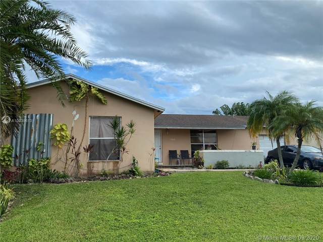 13040 SW 260th St, Homestead, FL 33032 (MLS #A10935613) :: The Howland Group