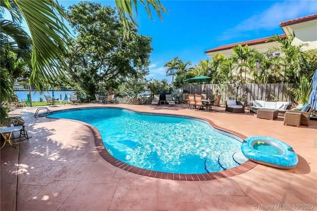 936 N Northlake Dr, Hollywood, FL 33019 (MLS #A10935630) :: Berkshire Hathaway HomeServices EWM Realty