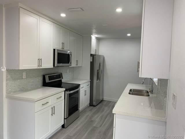 7731 NW 30th St, Davie, FL 33024 (MLS #A10936290) :: Albert Garcia Team