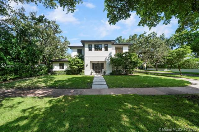 601 Gondoliere Ave, Coral Gables, FL 33143 (MLS #A10937111) :: The Rose Harris Group