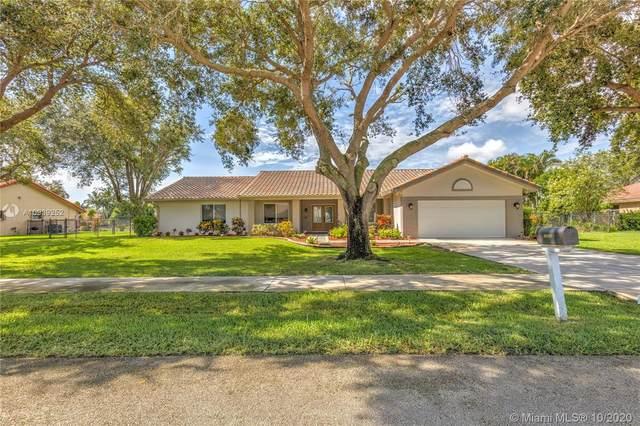 10400 SW 20th St, Davie, FL 33324 (MLS #A10939252) :: Berkshire Hathaway HomeServices EWM Realty