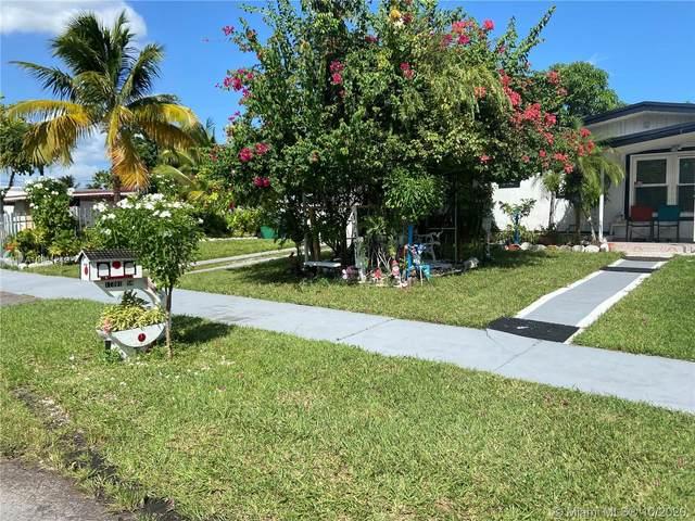 17301 SW 117th Ct, Miami, FL 33177 (MLS #A10941242) :: Carole Smith Real Estate Team
