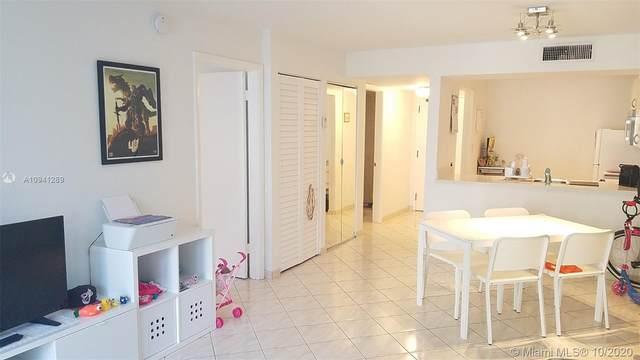 1665 Bay Rd #418, Miami Beach, FL 33139 (MLS #A10941289) :: Prestige Realty Group