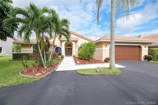 4744 NW 96th Dr, Coral Springs, FL 33076 (MLS #A10943293) :: The Teri Arbogast Team at Keller Williams Partners SW