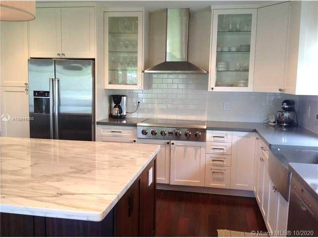 1142 Johnson St, Hollywood, FL 33019 (MLS #A10944000) :: Berkshire Hathaway HomeServices EWM Realty