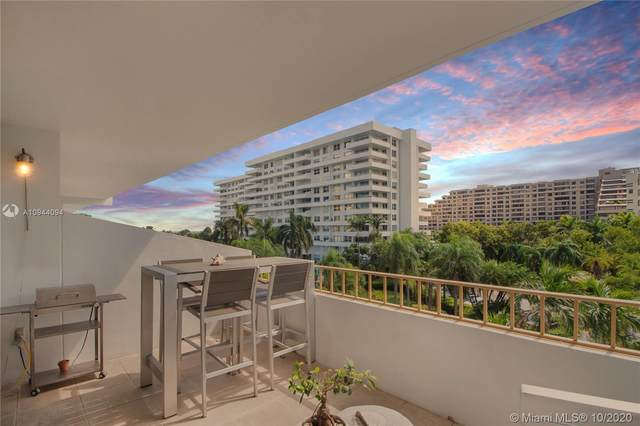 155 Ocean Lane Dr #413, Key Biscayne, FL 33149 (MLS #A10944094) :: Berkshire Hathaway HomeServices EWM Realty