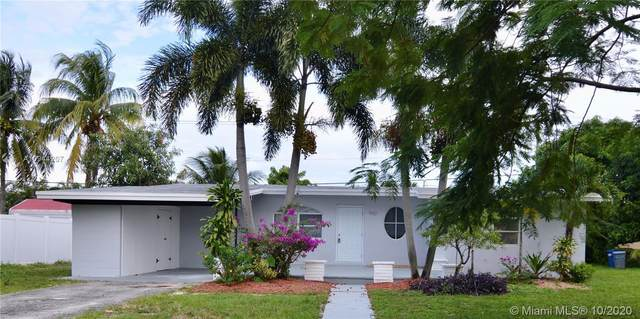 960 SW 42nd Ave, Plantation, FL 33317 (MLS #A10944207) :: The Howland Group