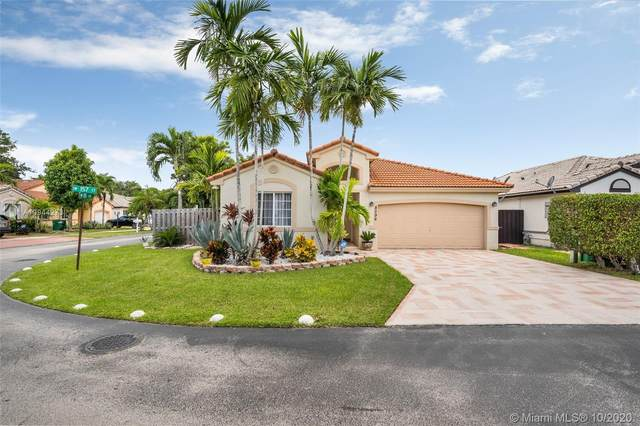 8596 SW 157th Ct, Miami, FL 33193 (MLS #A10944273) :: GK Realty Group LLC