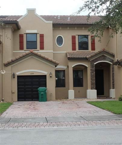 11239 SW 236th Ln, Homestead, FL 33032 (MLS #A10944461) :: The Azar Team