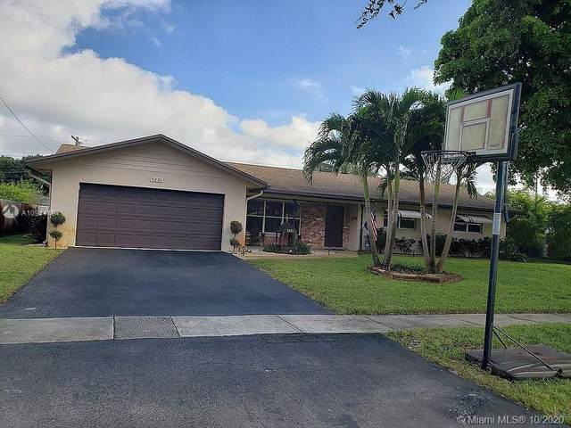 5291 SW 3rd Ct, Plantation, FL 33317 (MLS #A10944494) :: The Teri Arbogast Team at Keller Williams Partners SW