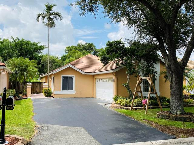 10141 NW 3rd Ct, Plantation, FL 33324 (MLS #A10944763) :: United Realty Group