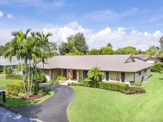 10105 SW 131st Ter, Miami, FL 33176 (MLS #A10945051) :: Berkshire Hathaway HomeServices EWM Realty