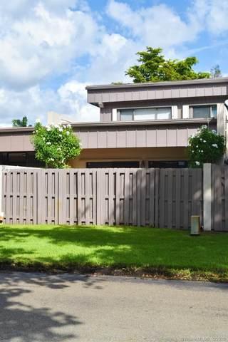 10622 SW 74th Ter #10622, Miami, FL 33173 (MLS #A10945309) :: Berkshire Hathaway HomeServices EWM Realty