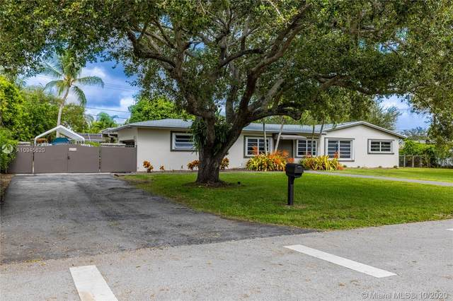 8261 SW 142nd St, Palmetto Bay, FL 33158 (MLS #A10945620) :: Berkshire Hathaway HomeServices EWM Realty