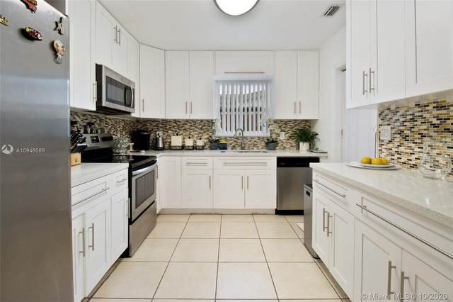 6459 Evans St, Hollywood, FL 33024 (MLS #A10946089) :: THE BANNON GROUP at RE/MAX CONSULTANTS REALTY I