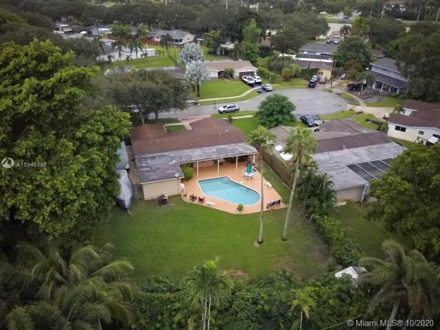 8850 SW 49th Pl, Cooper City, FL 33328 (MLS #A10946398) :: Ray De Leon with One Sotheby's International Realty
