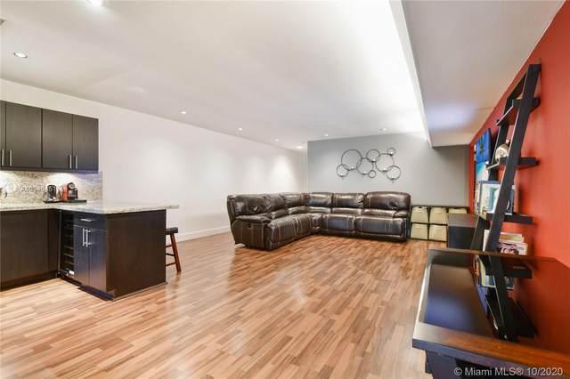 16116 Kilmarnock Dr #16116, Miami Lakes, FL 33014 (MLS #A10946451) :: Berkshire Hathaway HomeServices EWM Realty