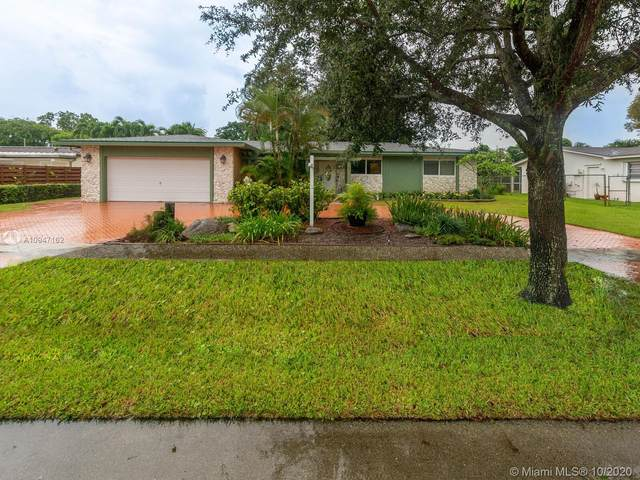 2141 NW 82nd Ter, Pembroke Pines, FL 33024 (MLS #A10947162) :: Berkshire Hathaway HomeServices EWM Realty
