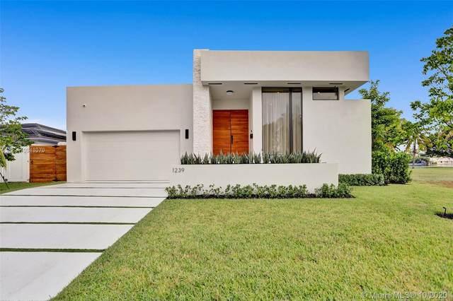 1239 Madison St, Hollywood, FL 33019 (MLS #A10948070) :: Berkshire Hathaway HomeServices EWM Realty