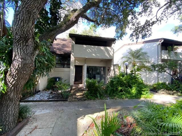 19440 NE 26th Ave, Miami, FL 33180 (MLS #A10948450) :: Carole Smith Real Estate Team